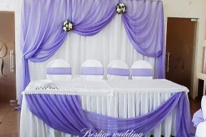 Оформление стола молодоженов фиолетовым цветом