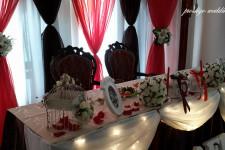 Оформление свадебного зала красной тканью