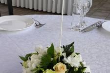 Выездная регистрация в белом и молочным цвете