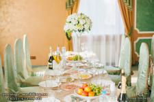 Высокие мартинки на столах гостей