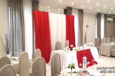 """Оформление свадьбы в красном цвете в ресторане """"Камелот"""""""
