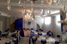 Оформление свадебного зала синим цветом