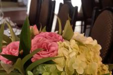 Цветы на столах гостей