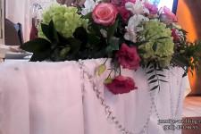 Композиция на столе в декоре свадьбы