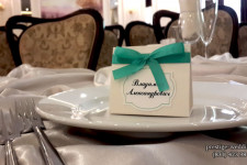 "Ресторан ""Онегин"" на Минина в мятном цвете."